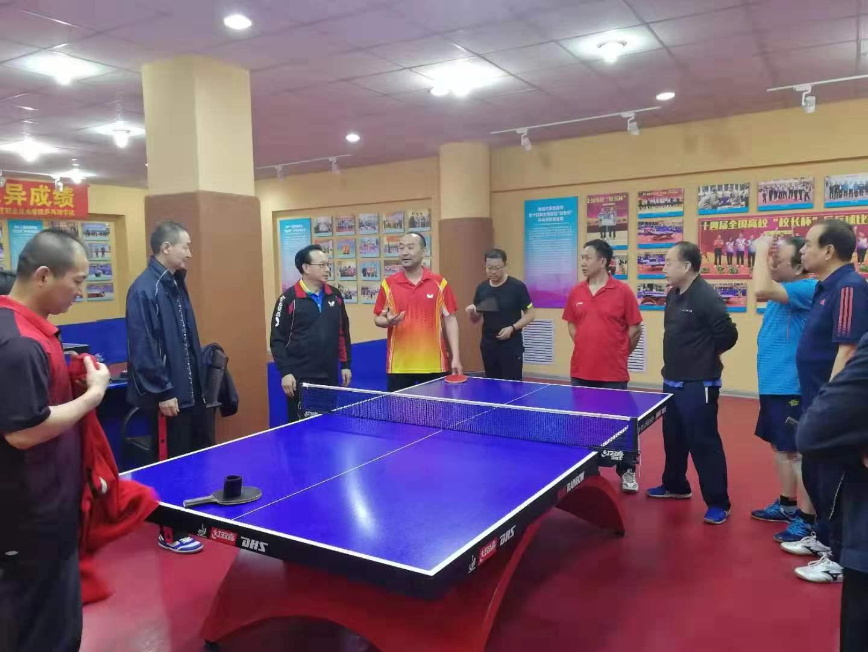 社区乒乓球学院开启课程化培训图片